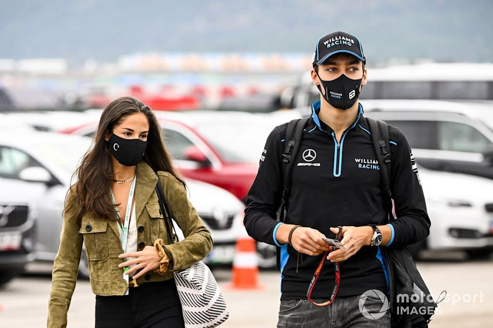 "George Russell, Williams Racing con su novia Carmen Montero Mundt<span class=""copyright"">Mark Sutton / Motorsport Images</span>"