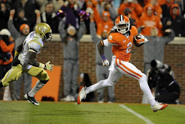 Random offseason tweet of the day: Clemson WR coach wants you to know that Tigers' wideouts 'get PAID' in the NFL (Photo)