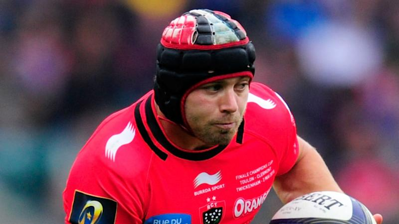 Scarlets confirm Halfpenny coup
