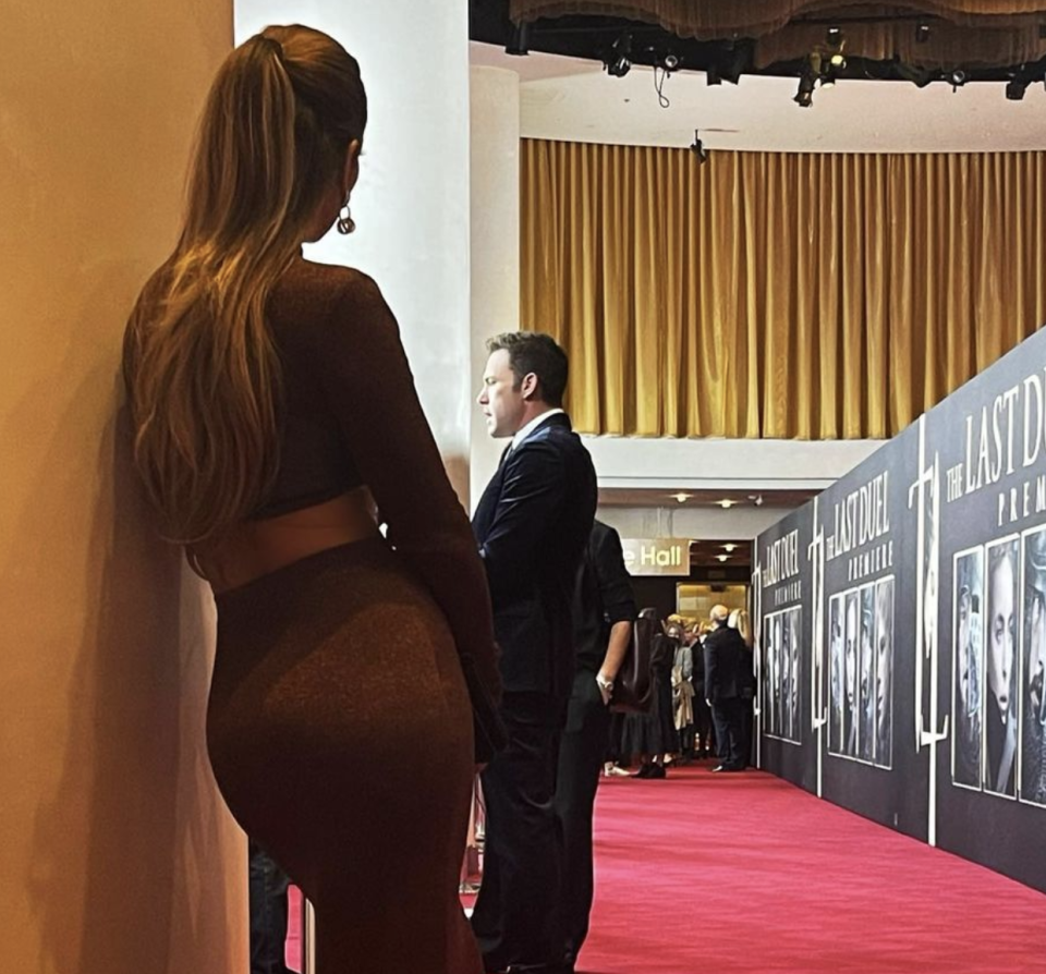 Lopez shared this photo of her watching Affleck on the red carpet. (Photo: Jennifer Lopez/Instagram)