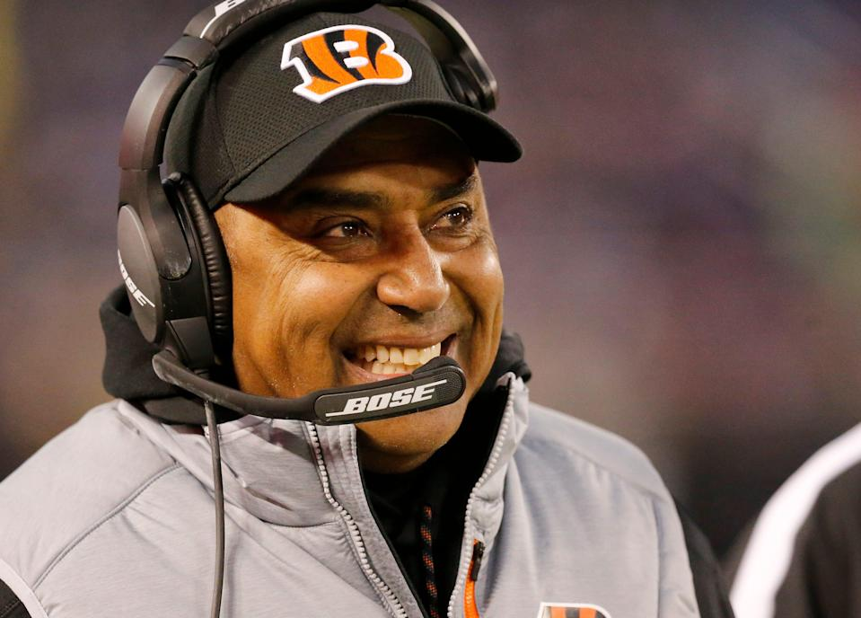 Cincinnati Bengals head coach Marvin Lewis smiles on the sideline in the first quarter against the Baltimore Ravens.