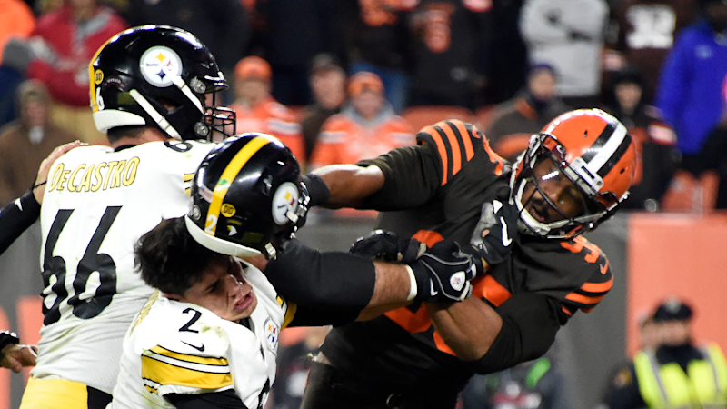 Browns' Myles Garrett wants one-on-one talk with Steelers' Mason Rudolph over helmet incident