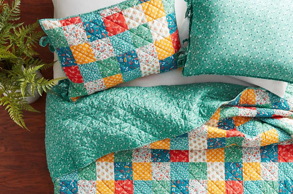 This quilt goes with practically everything. (Photo: Walmart)