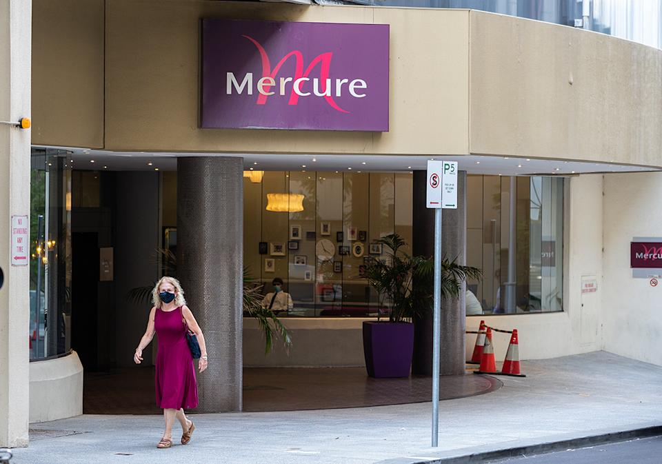 A general view of the Mercure Hotel Perth in Perth, Friday, April 23, 2021. A hotel quarantine outbreak at the Mercure Hotel Perth led to community transmission sending Metropolitan Perth and the Peel region into a three-day lockdown from midnight on Friday. (AAP Image/Richard Wainwright) NO ARCHIVING