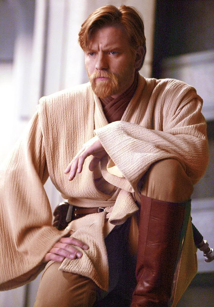 """<p>One trope of the franchise that's been there since the beginning are the Force ghosts, but none appear in <i>The Force Awakens</i>. Not that there weren't rumors that there might be some: Two <a href=""""http://www.latino-review.com/2013/08/palpatine-will-return-but-not-as-a-clone-in-star-wars-episode-vii/"""" rel=""""nofollow noopener"""" target=""""_blank"""" data-ylk=""""slk:early"""" class=""""link rapid-noclick-resp"""">early</a> <a href=""""http://www.latino-review.com/2013/08/palpatine-will-return-but-not-as-a-clone-in-star-wars-episode-vii/"""" rel=""""nofollow noopener"""" target=""""_blank"""" data-ylk=""""slk:reports"""" class=""""link rapid-noclick-resp"""">reports</a> said that we'd get appearances from the afterlife from both Ewan McGregor's Obi-Wan Kenobi and supervillain Emperor Palpatine. (Photo: Everett Collection)</p>"""