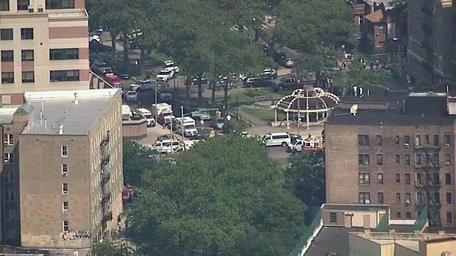 <p>One victim dead in Bronx hospital shooting; gunman also dead. (WABC-TV) </p>