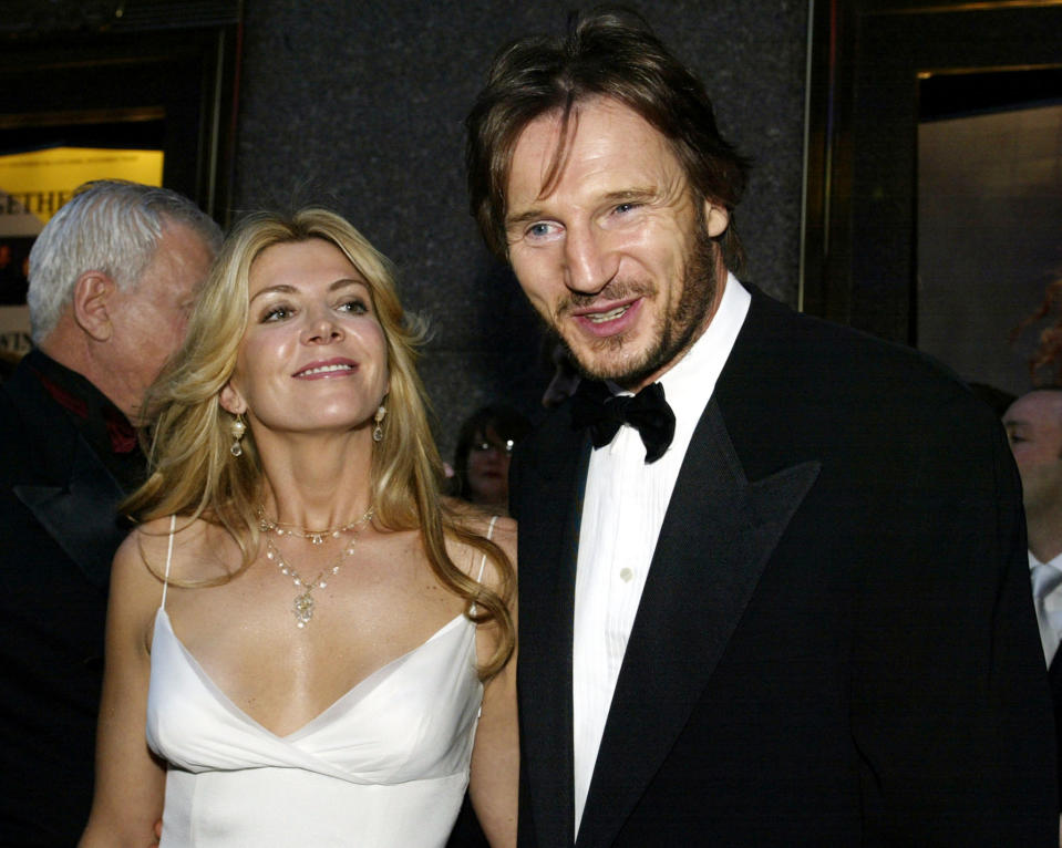 Liam Neeson and Natasha Richardson arrive for the 2002 Tony Awards at New York's Radio City Music Hall June 2, 2002.