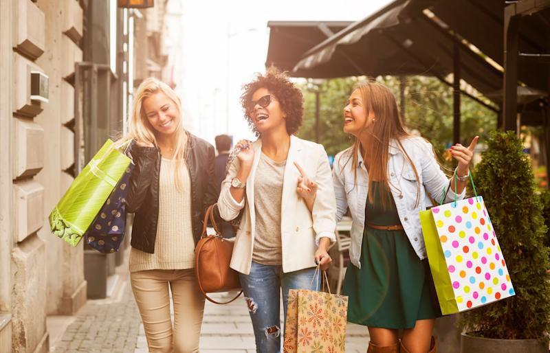 Your Memorial Day shopping guide to the best fashion and beauty deals. See how you can save up to 50 percent off your favorite designers. (Photo: Getty Images)