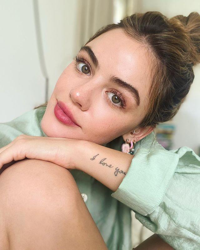 """<p>Riding on the coattails of the monochromatic makeup trend, this simple style combines pink lipstick with equally rose-toned eyeshadow hues. That's it. It's simple, it takes about 5 minutes, and it's a celeb go-to. </p><p><a href=""""https://www.instagram.com/p/CMQQNhCAbM-/"""" rel=""""nofollow noopener"""" target=""""_blank"""" data-ylk=""""slk:See the original post on Instagram"""" class=""""link rapid-noclick-resp"""">See the original post on Instagram</a></p>"""