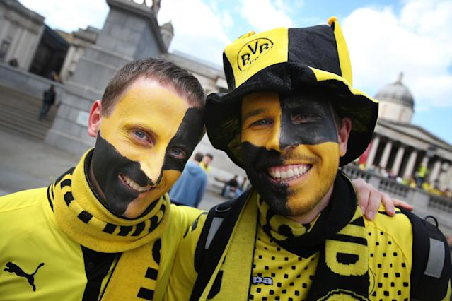 LONDON, ENGLAND - MAY 25: Borussia Dortmund fans gather in Trafalgar Square on May 25, 2013 in London, England. Bayern Munich and Borussia Dortmund play in the Champions League final at Wembley Stadium later tonight. (Photo by Peter Macdiarmid/Getty Images)