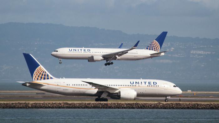 United Airlines expulse violemment un passager — Surbooking