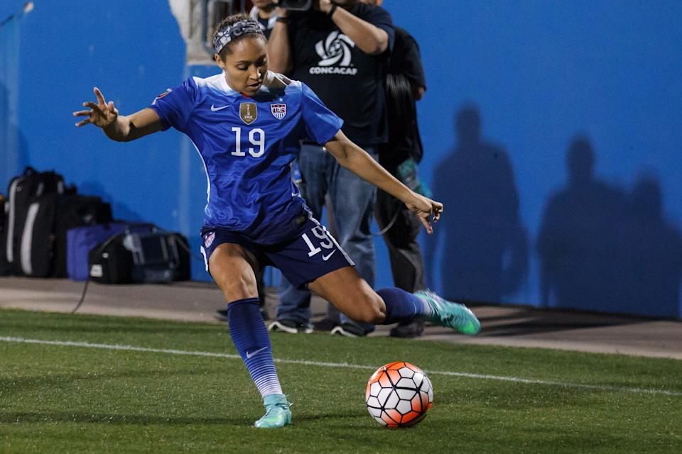 15 February 2016 - United States defender Jaelene Hinkle (#19) during the Olympic Qualifying first round game between the United States and Puerto Rico at Toyota Stadium in Frisco, Texas. The USA won the game 10-0. (Photo by Matthew Visinsky/Icon Sportswire) (Photo by Matthew Visinsky/Icon Sportswire/Corbis via Getty Images)