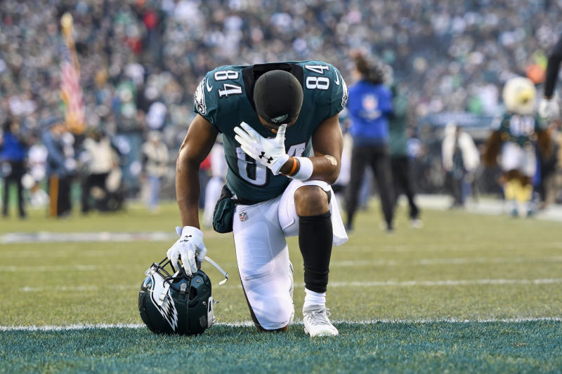 PHILADELPHIA, PA - DECEMBER 22: Philadelphia Eagles Wide Receiver Greg Ward (84) takes a knee during the game between the Dallas Cowboys and the Philadelphia Eagle on December 22, 2019, at Lincoln Financial Filed in Philadelphia, PA. (Photo by Andy Lewis/Icon Sportswire via Getty Images)