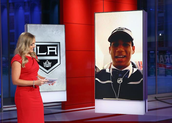 "Jamie Hersch of the NHL Network interviews Kings draft pick Quinton Byfield. <span class=""copyright"">(Mike Stobe / Getty Images)</span>"