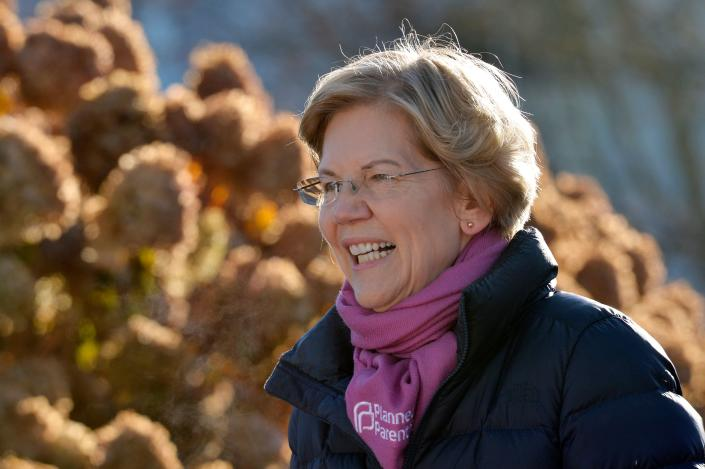 Democratic presidential hopeful Massachusetts' Senator Elizabeth Warren speaks to supporters. (Photo: JOSEPH PREZIOSO/AFP via Getty Images)