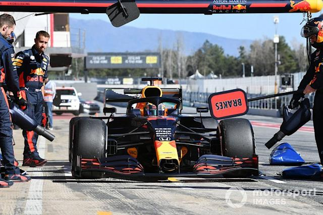 """Max Verstappen, Red Bull Racing pit stop <span class=""""copyright"""">Mark Sutton / Motorsport Images</span>"""