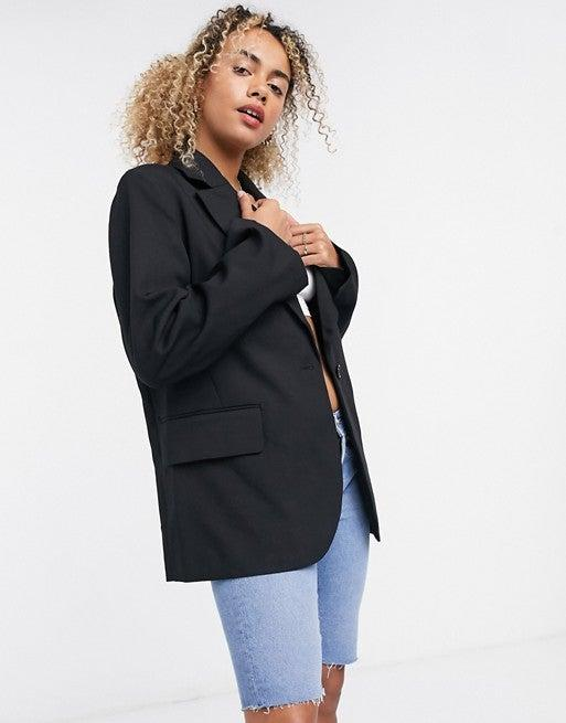 """<br><br><strong>Weekday</strong> Rumi Oversized Blazer, $, available at <a href=""""https://go.skimresources.com/?id=30283X879131&url=https%3A%2F%2Fwww.asos.com%2Fus%2Fweekday%2Fweekday-rumi-oversized-blazer-in-black%2Fprd%2F21338827"""" rel=""""nofollow noopener"""" target=""""_blank"""" data-ylk=""""slk:ASOS"""" class=""""link rapid-noclick-resp"""">ASOS</a>"""