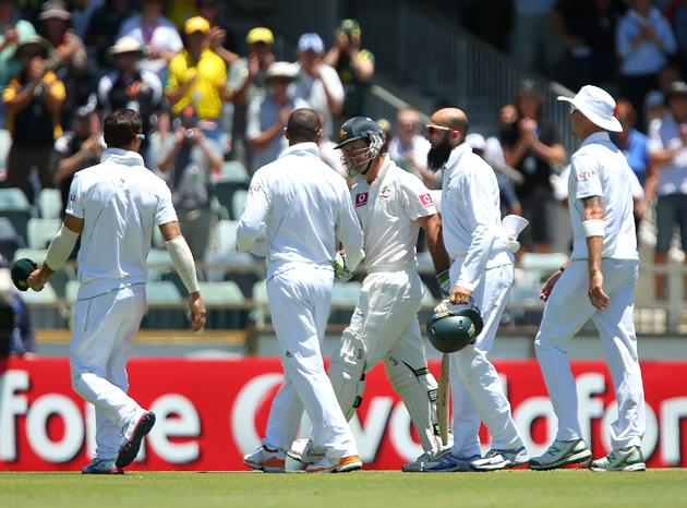 Ricky Ponting of Australia  is acknowledged by South Africa players after being dismissed during day four of the Third Test Match between Australia and South Africa at WACA on December 3, 2012 in Perth, Australia.  (Photo by Paul Kane/Getty Images)