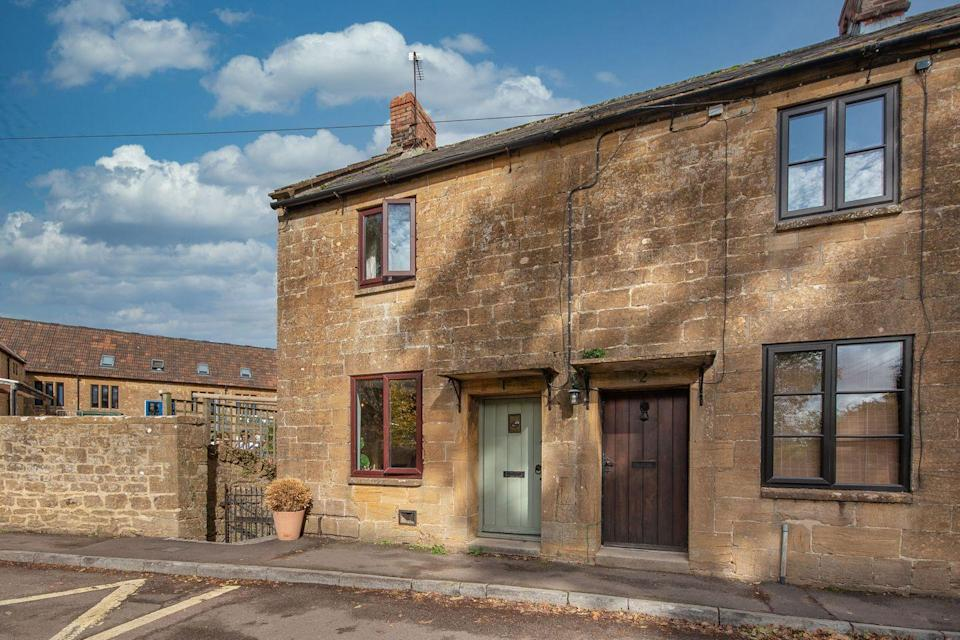 """<p>Jam-packed with charming features, this delightful cottage is perfect for those looking to escape to the country. From the characterful kitchen to the mint green front door, it really does tick all the right boxes...</p><p><a href=""""https://www.onthemarket.com/details/9431775/"""" rel=""""nofollow noopener"""" target=""""_blank"""" data-ylk=""""slk:This property is currently on the market for £225,000 with Orchards Estates at OnTheMarket"""" class=""""link rapid-noclick-resp"""">This property is currently on the market for £225,000 with Orchards Estates at OnTheMarket</a></p>"""
