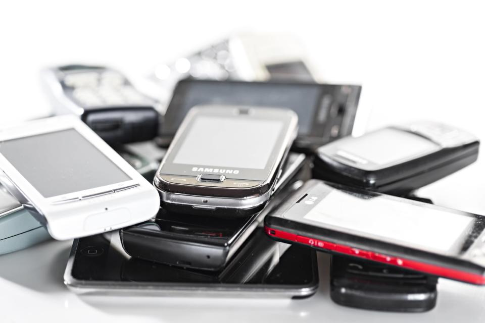 The study, carried out by online used electronics store reBuy and covering 27 countries worldwide, revealed that disposing of old mobile phones remains an arduous endeavor for many households.