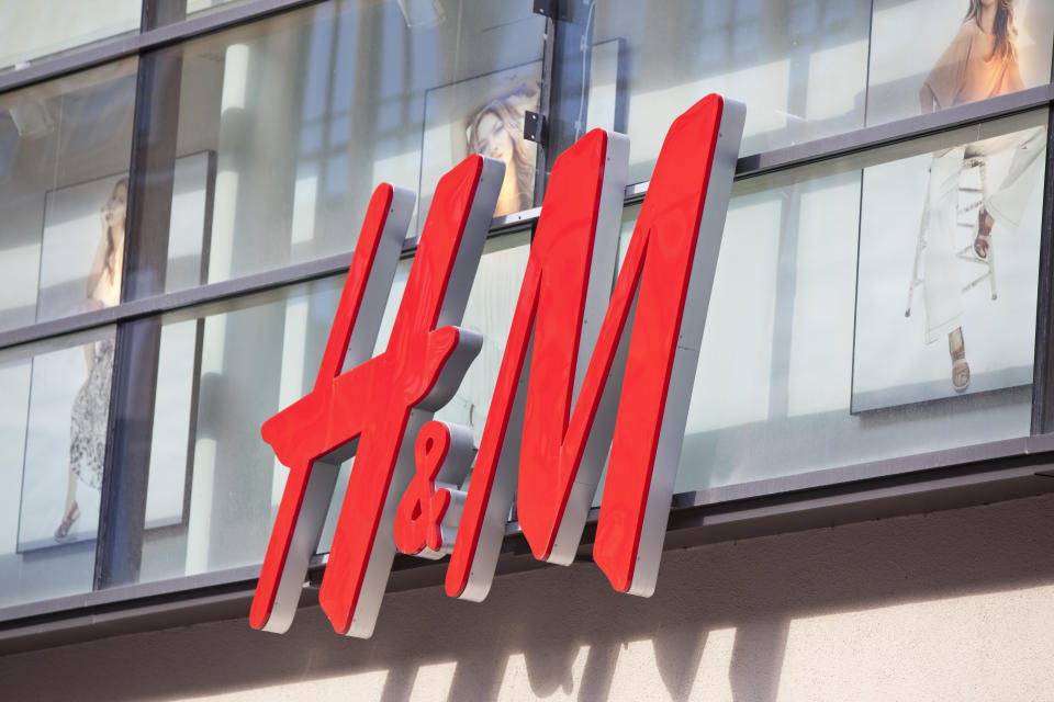 Der Modekonzern H&M. (Bild: Getty Images)