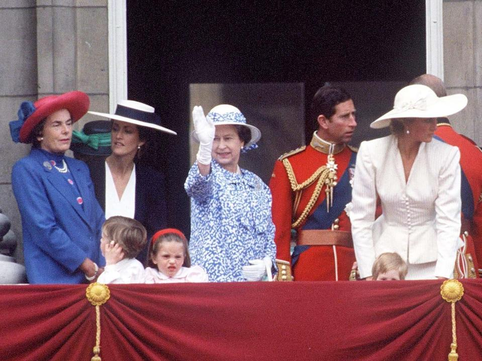 queen elizabeth trooping the colour 1987
