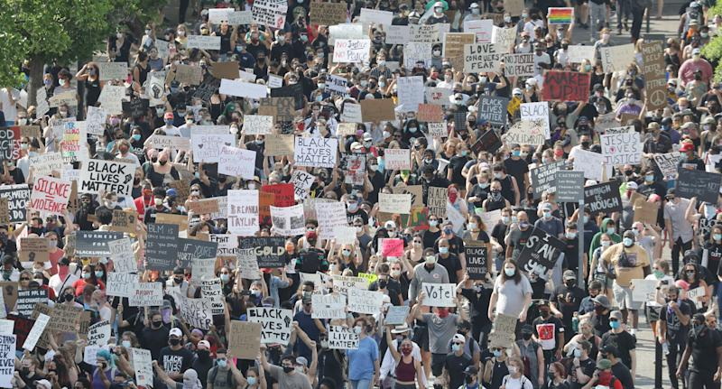 Thousands have turned out in protest over the death of George Floyd in the US (Tennessee pictured). Source: AAP