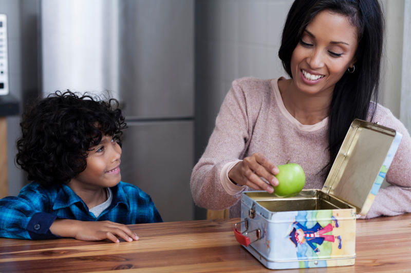 Parents are under pressure to prepare healthy lunches. (Photo: Getty Creative stock image)