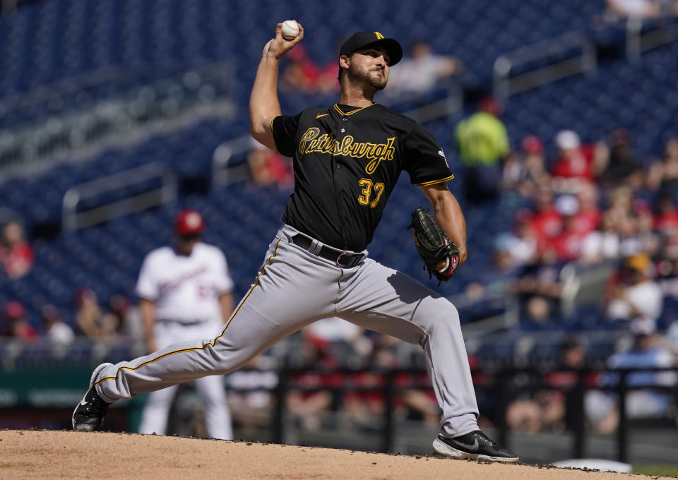Pittsburgh Pirates starting pitcher Chase De Jong (37) delivers a pitch during the first inning of a baseball game against the Washington Nationals, Wednesday, June 16, 2021, in Washington. (AP Photo/Carolyn Kaster)