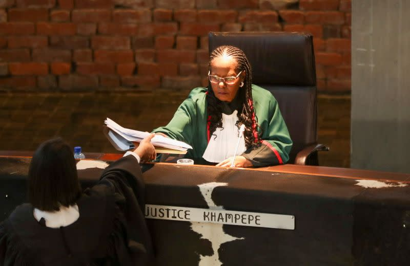 FILE PHOTO: South Africa's top court rules on Zuma for defying corruption inquiry