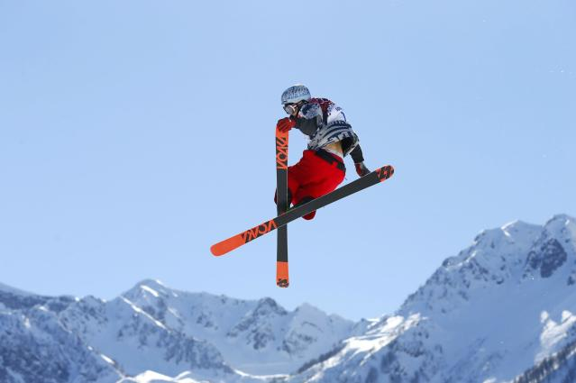 Nicholas Goepper of the U.S. performs a jump during the men's freestyle skiing slopestyle finals at the 2014 Sochi Winter Olympic Games in Rosa Khutor February 13, 2014. REUTERS/Lucas Jackson (RUSSIA - Tags: SPORT SKIING OLYMPICS TPX IMAGES OF THE DAY)
