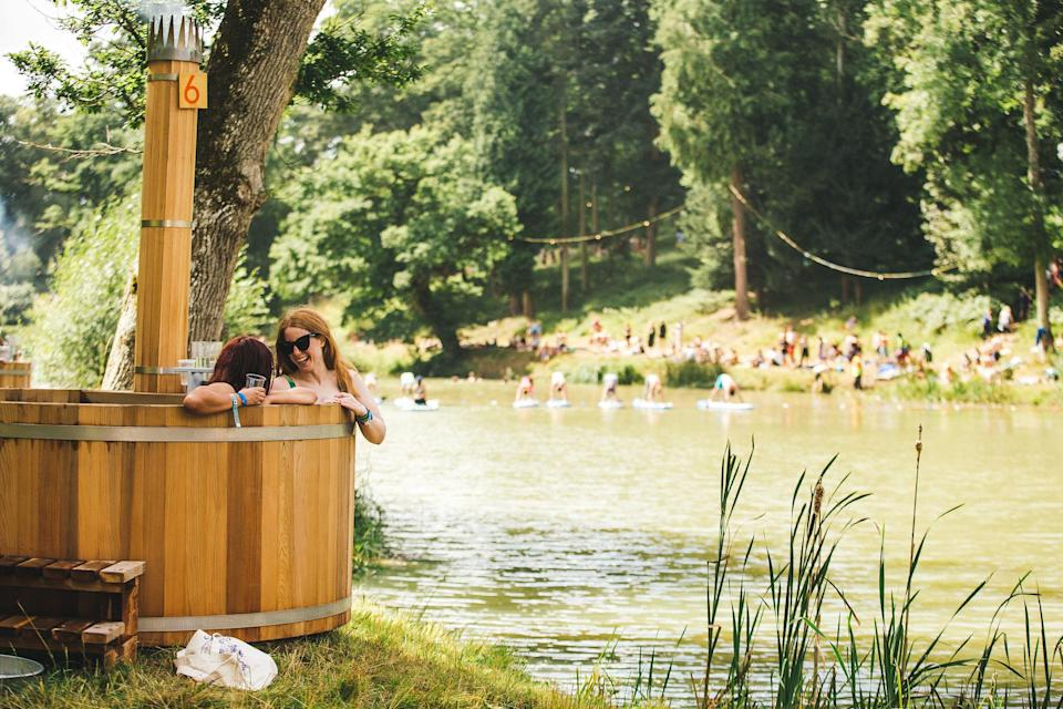 <p><b>Make sure you save some time to chill out. Hot tubs needs to be booked in advance (but are well worth the splurge) and you can take part in free paddling boarding classes, yoga sessions and the like. </b></p>