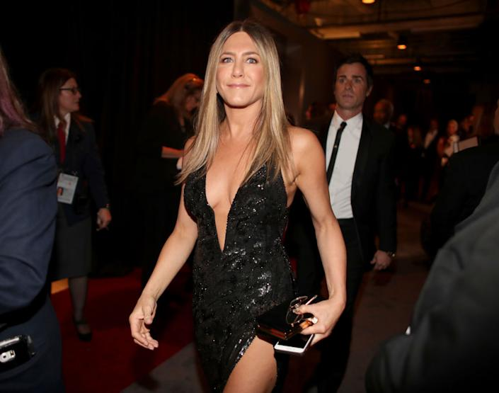 Jennifer Aniston with the good hair, pictured in February 2017. (Getty Images)