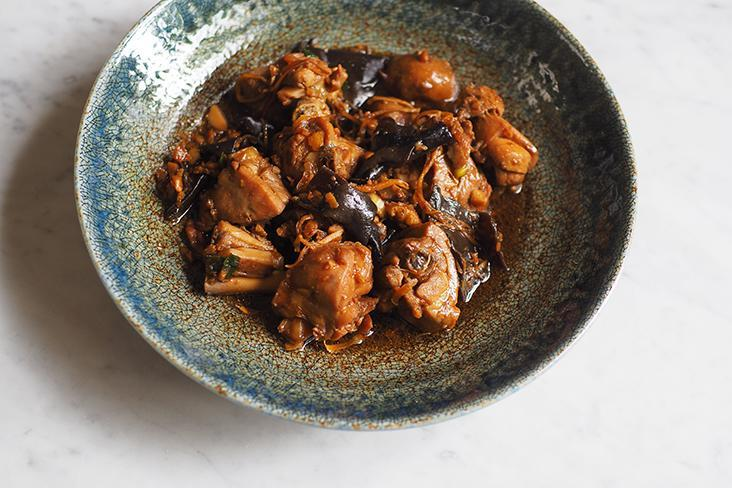 Sesame oil chicken is best paired with a bowl of white rice