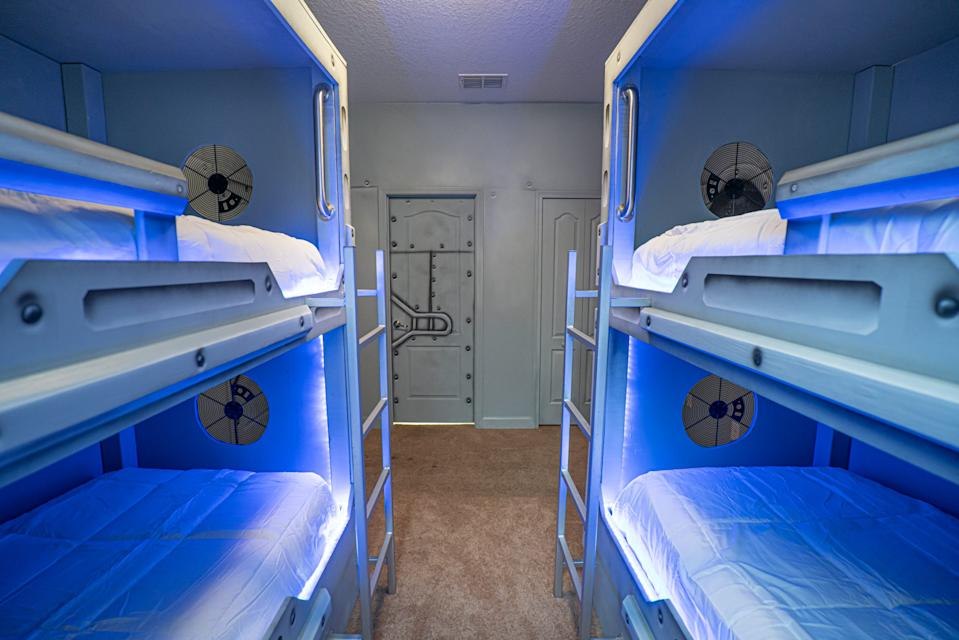 """Bunk beds have never looked so cool. <p class=""""copyright"""">Loma Homes</p>"""