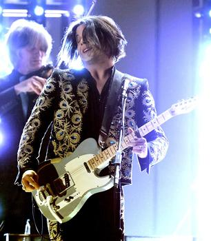 Jack White Spreads the Love at Grammys