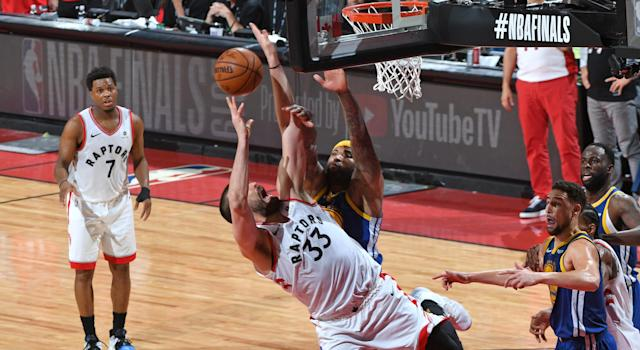 Marc Gasol should have been awarded two free throws late in the Raptors' one-point loss to the Warriors on Monday night. (Photo by Ron Turenne/NBAE via Getty Images)