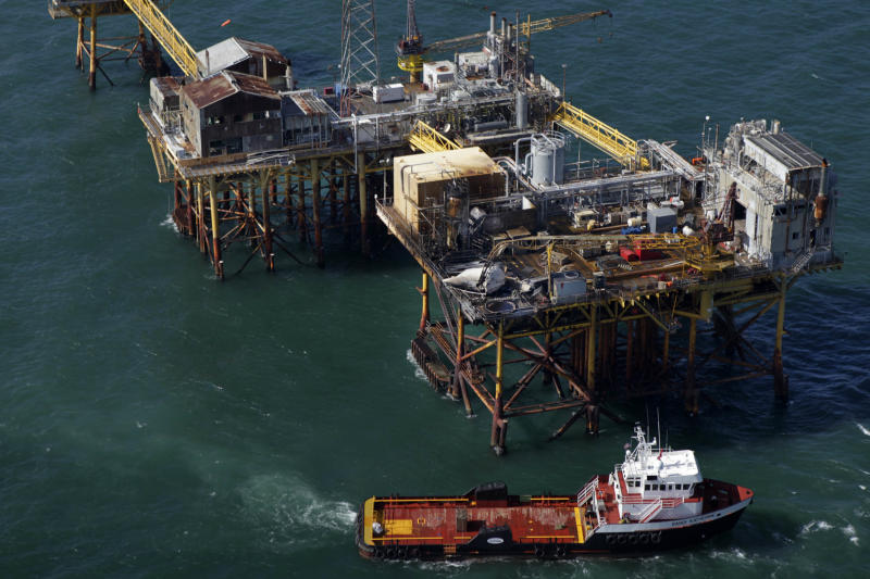 Co. looks for worker after oil rig fire in Gulf