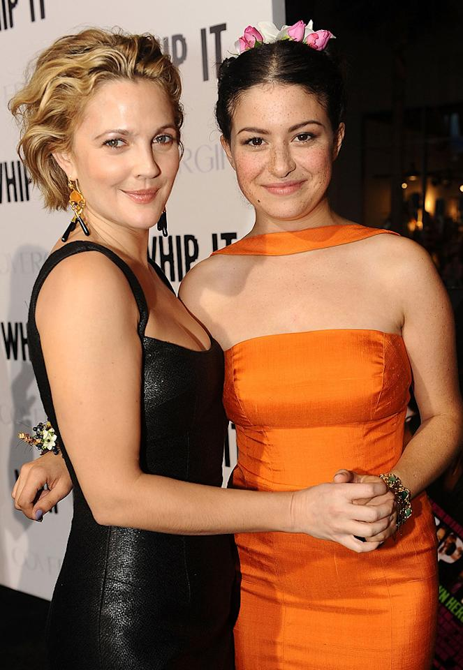 """<a href=""""http://movies.yahoo.com/movie/contributor/1800016287"""">Drew Barrymore</a> and <a href=""""http://movies.yahoo.com/movie/contributor/1804572493"""">Alia Shawkat</a> at the Los Angeles premiere of <a href=""""http://movies.yahoo.com/movie/1810036665/info"""">Whip It!</a> - 09/29/2009"""