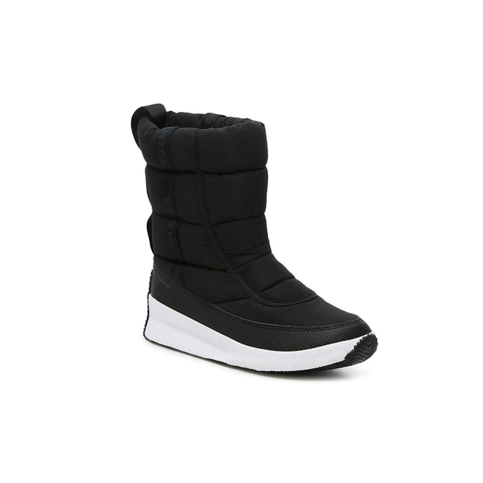 """<p><strong>Sorel</strong></p><p>dsw.com</p><p><strong>$129.99</strong></p><p><a href=""""https://go.redirectingat.com?id=74968X1596630&url=https%3A%2F%2Fwww.dsw.com%2Fen%2Fus%2Fproduct%2Fsorel-out-n-about-plus-puffy-snow-boot%2F482669&sref=https%3A%2F%2Fwww.thepioneerwoman.com%2Ffashion-style%2Fg32598715%2Fbest-snow-boots-women%2F"""" rel=""""nofollow noopener"""" target=""""_blank"""" data-ylk=""""slk:Shop Now"""" class=""""link rapid-noclick-resp"""">Shop Now</a></p><p>Sometimes you just need a basic boot that's going to protect you from the elements. This waterproof boot (inspired by a puffer jacket!) does the job. </p>"""