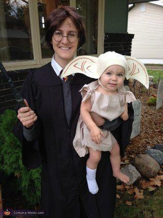 "Vía <a href=""http://www.costume-works.com/harry_potter_and_dobby.html"" target=""_blank"">Costume-Works.com</a>"
