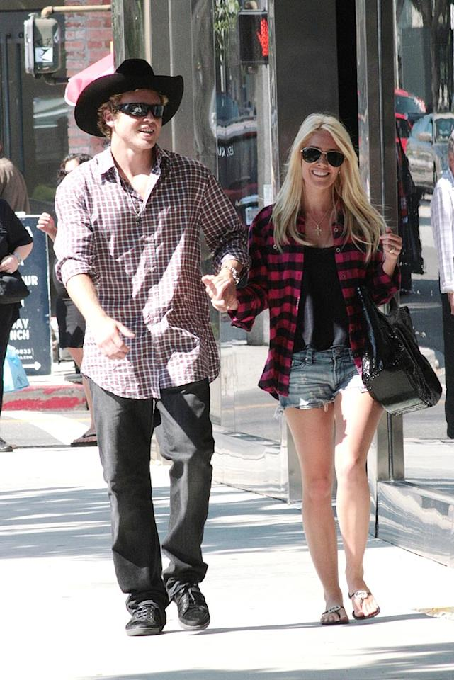 "Which one of these walking fashion disasters looks worse? Spencer or Heidi? London Entertainment/<a href=""http://www.splashnewsonline.com"" target=""new"">Splash News</a> - July 29, 2009"