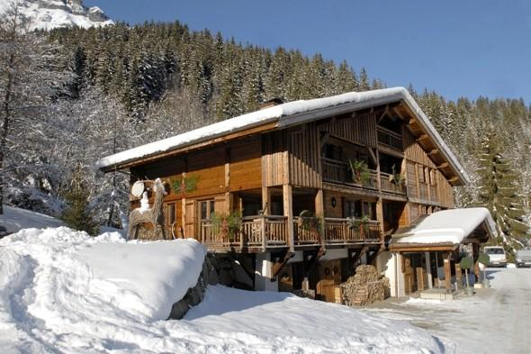 British ski workers barricade themselves in chalet in 'unpaid wages protest'