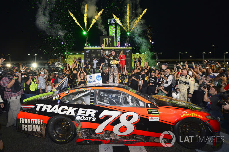 "1. Martin Truex Jr. (Furniture-Row-Toyota): Champion mit P1 im Rennen<span class=""copyright"">Logan Whitton / Motorsport Images</span>"
