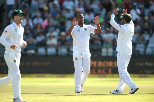 South Africa's Rabada, Philander dismantle Sri Lanka in 2nd Test