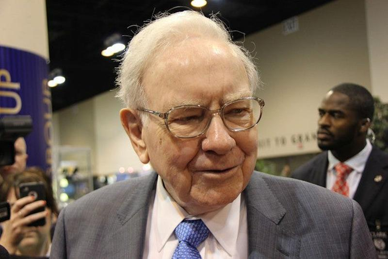 Buffett's Berkshire Hathaway buys stakes in 5 Japanese trading houses