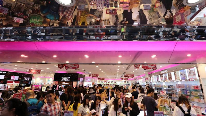 Sa Sa International to close up to 25 per cent of stores in 18 months as Hong Kong retail slump claims more casualties