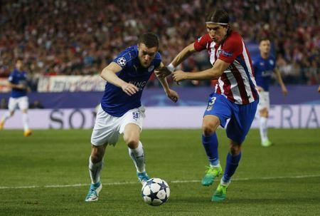 Football Soccer - Atletico Madrid v Leicester City - UEFA Champions League Quarter Final First Leg - Vicente Calderon Stadium, Madrid, Spain - 12/4/17 Leicester City's Jamie Vardy in action with Atletico Madrid's Filipe Luis Reuters / Sergio Perez Livepic