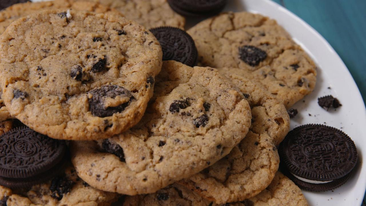 """<p>Once when you've tried them all, we've got some <a rel=""""nofollow"""" href=""""http://www.delish.com/cooking/g1260/surprise-cookies/"""">super-stuffed cookies</a> for ya, too.</p>"""