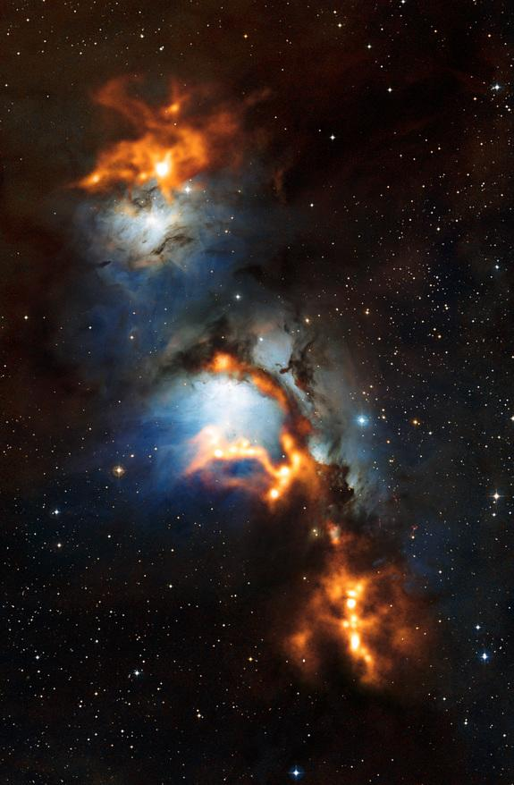 Spectacular Photo Reveals Bright Nebula Near Orion's Belt
